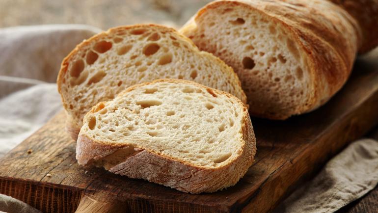 Zelf brood bakken versus brood kopen