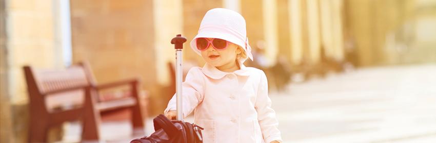 Reizen met kinderen.Koffers