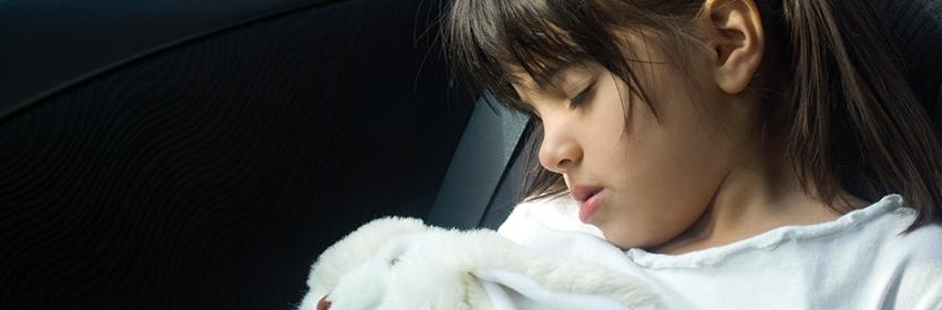 Reizen met kinderen.Reis als ze slapen