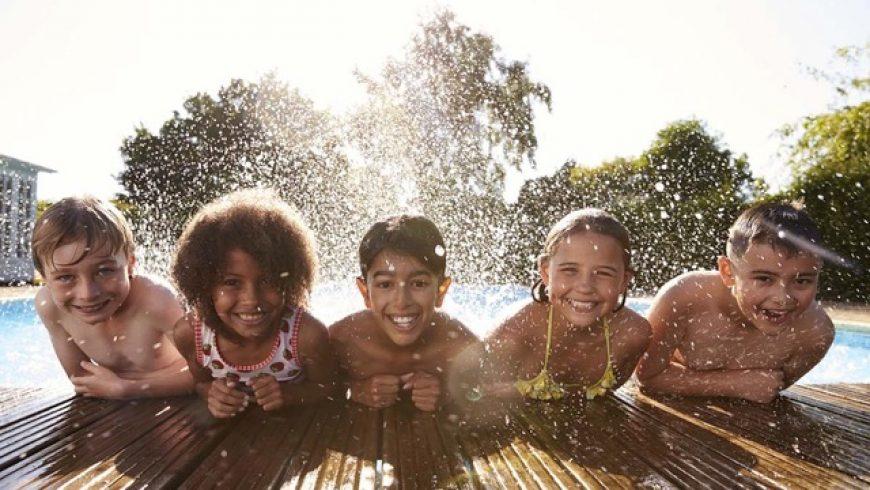 Kindvriendelijke zwembaden in België voor een leuk gezinsuitje!